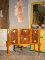 commode transition louis 15 louis 16 marqueterie en ailes de papillon